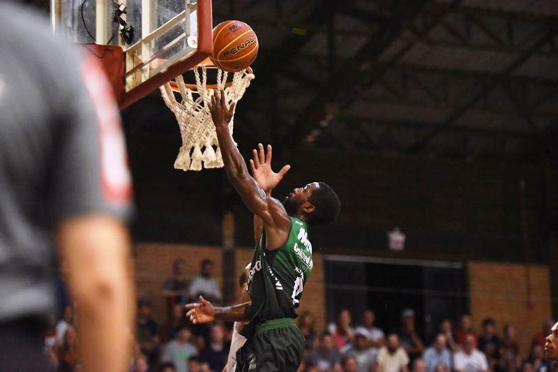 Kendall Anthony, cestinha do jogo em Joinville / Victor Lira/Bauru Basket