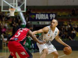 Gui Santos se lesionou na partida contra o Joinville / Foto: Victor Lira/Bauru Basket