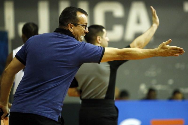 Guidetti orientou bem os seus atletas no intervalo / Foto: Divulgação