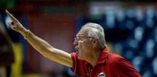Aos poucos, o técnico Alberto Bial vai acertando a sua equipe / Foto: Estephan Eilert/Divulgação