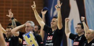 Com 15 bolas de três, Franca dominou o vice-líder e entrou no G-4 / Foto: Ricardo Bufolin-ECP