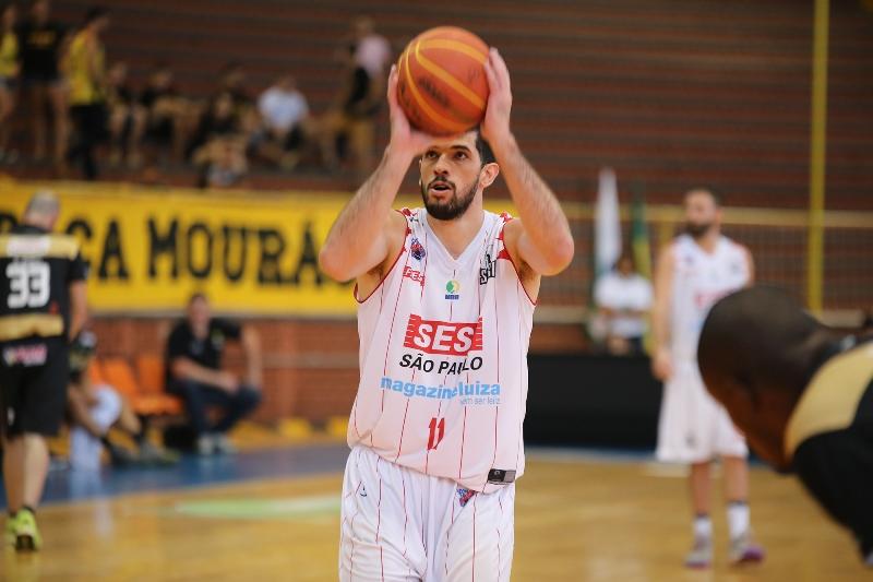 Com 13 pontos só no 1ª quarto, Antonio foi o grande nome da vitória francana / Foto: Alan Palhano/Divulgação