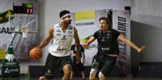 Ala Isaac (com a bola) está a um rebote dos 400 no NBB / Foto: Victor Lira-Bauru Basket