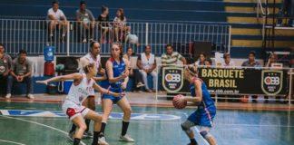 Karla Costa veio bem mais uma vez do banco, com quase um ponto por minuto jogado / Foto: Caio Lanziani-Divulgação