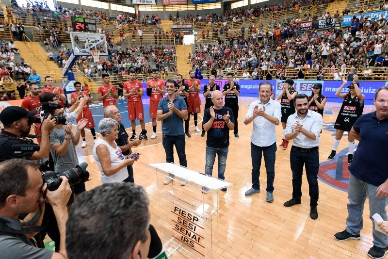 A torcida pôde comemorar a renovação de contrato com Sesi-SP e Magazine Luiza / Foto: Newton Nogueira/Divulgação