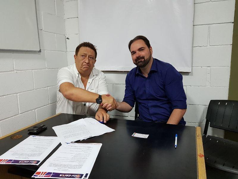 Molina e Borro firmam a parceria / Foto: Divulgação/LBF