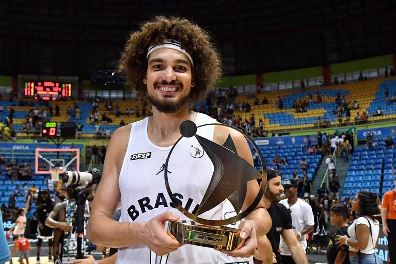 Com 18 pontos, 15 rebotes e 30 de eficiência, Varejão foi o MVP / Foto: Fotojump/LNB