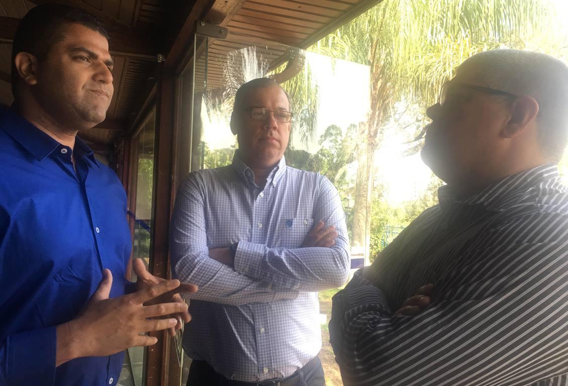 Vlademir Pereira Silva (LSPB), Marcelo Sousa (diretor executivo da CBB) e Daniel Riente (FEBERJ) conversaram bastante em Campinas