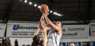 Com 14 pontos, Hettsheimeir também foi decisivo para o Dragão / Foto: Victor Lira/Bauru Basket