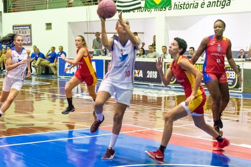 Babi foi uma das cestinhas do jogo, com 15 pontos / Foto: Fábio Leoni-Vera Cruz Campinas