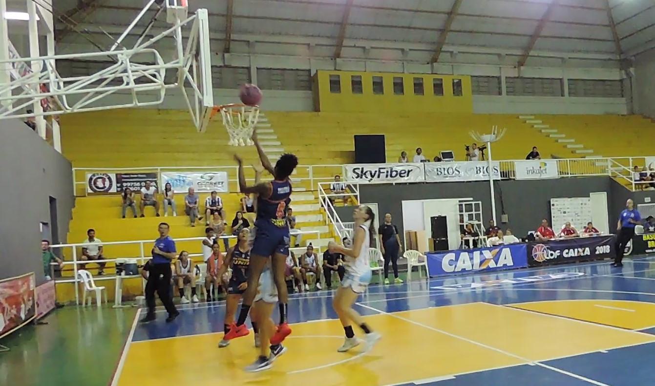 Com 27 pontos, Thayná Silva foi decisiva na vitória / Foto: Renata Capelleto/Bax Catanduva