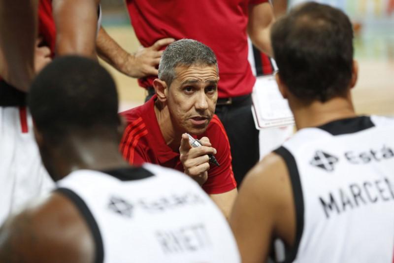 Neto tem dado ênfase ao treinamento para melhorar o aproveitamento ofensivo / Foto: Staff Images/Flamengo