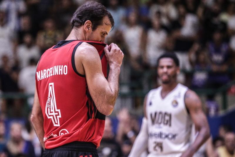 Marcelinho fez o último jogo de sua carreira de atleta profissional / Foto: Luiz Pires/LNB