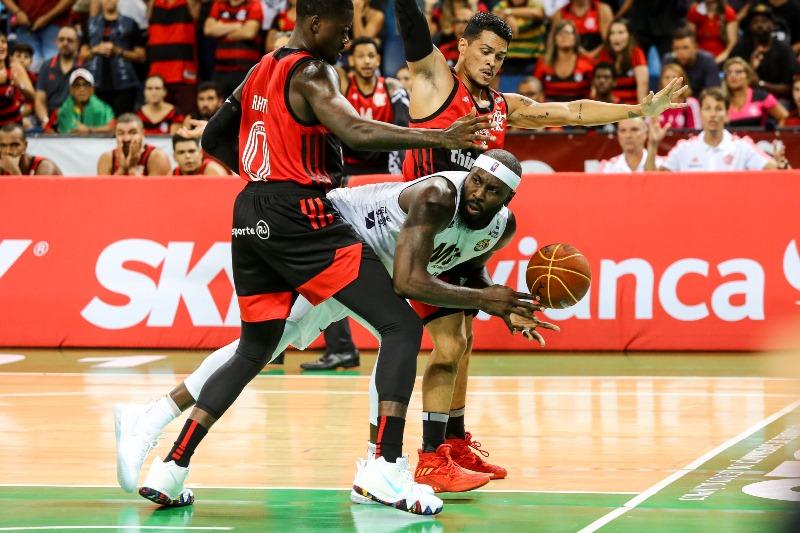 Com 4/8 nas bolas de três, Tyrone foi o cestinha mogiano, com 19 pontos / Foto: João Neto/LNB