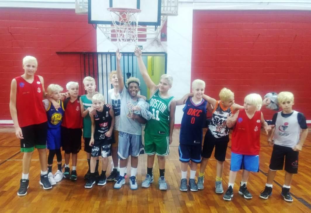 Os garotos do Clube Campineiro de Regatas e Natação/Akdmia treinaram forte para disputar o Estadual / Foto: Divulgação