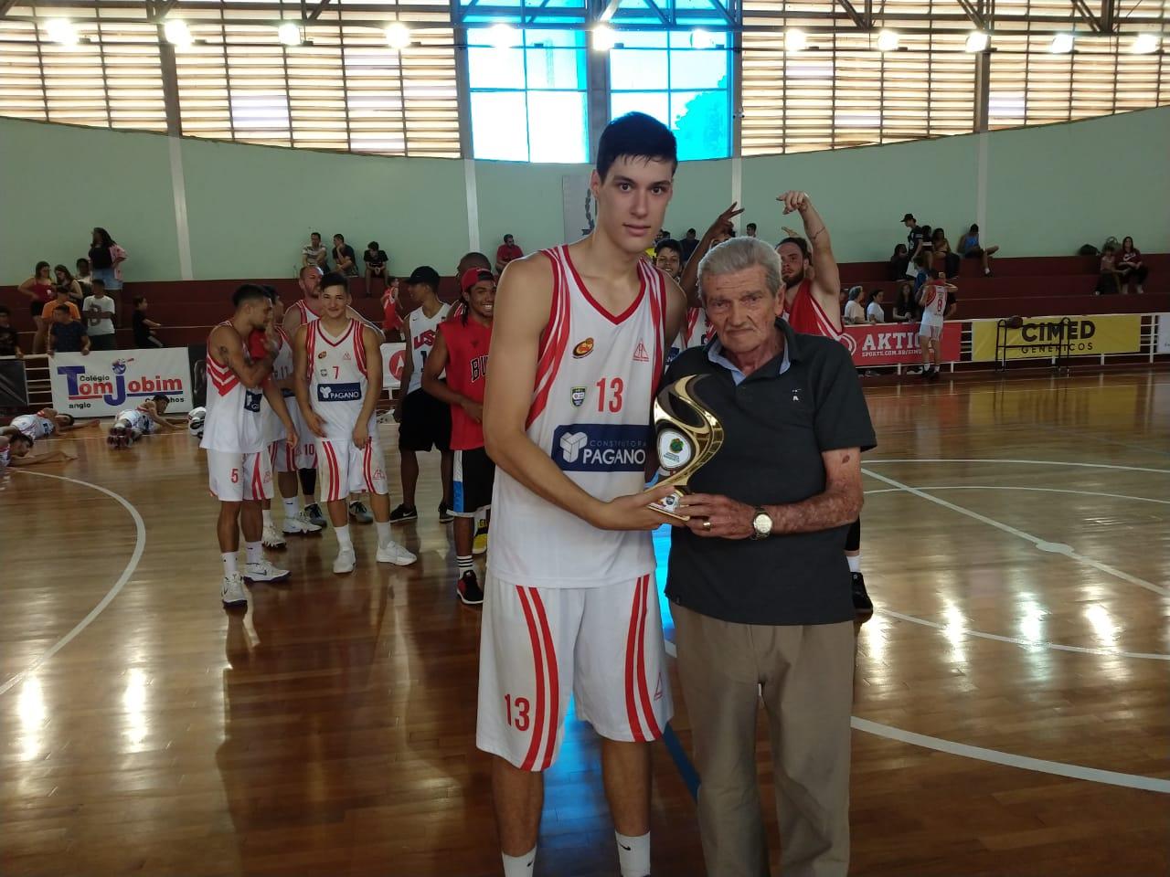 O pivô Vinicius Malachias foi eleito o melhor jogador da partida / Foto: Kennedy Oliveira/Cravinhos Basketball