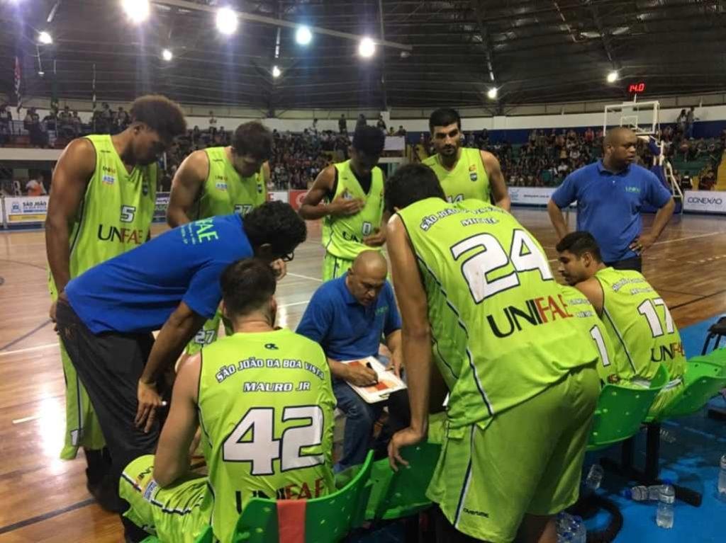 A equipe do técnico Paulo Renor manteve a invencibilidade / Foto: Divulgação/Unifae