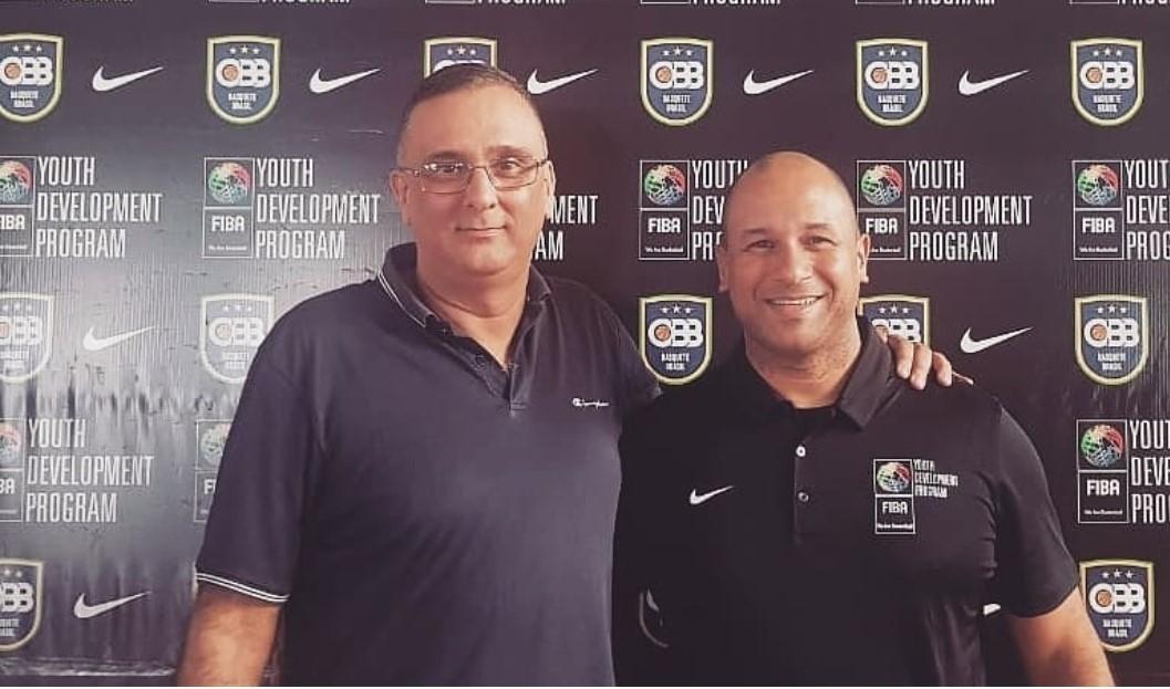 André Almeida e Vander Lobosco Jr, coordenador de arbitragem da CBB / Foto: Divulgação/ARBBRA