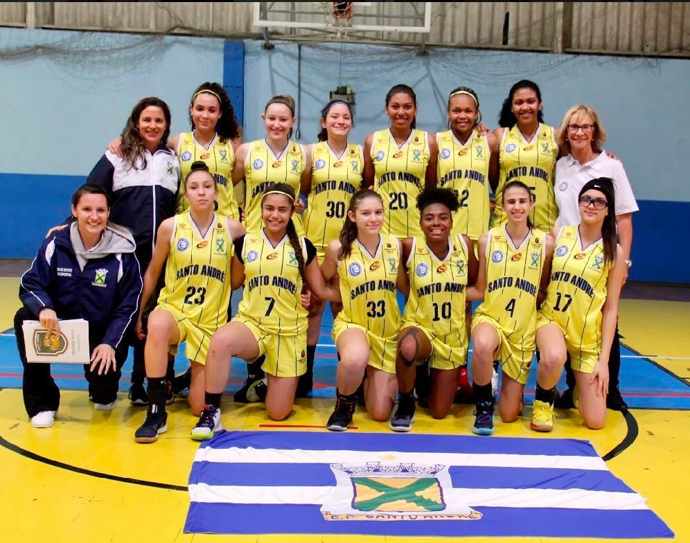 A equipe sub-15 do Santo André assumiu a liderança do Estadual / Foto: Jorge Bevilacqua/Divulgação