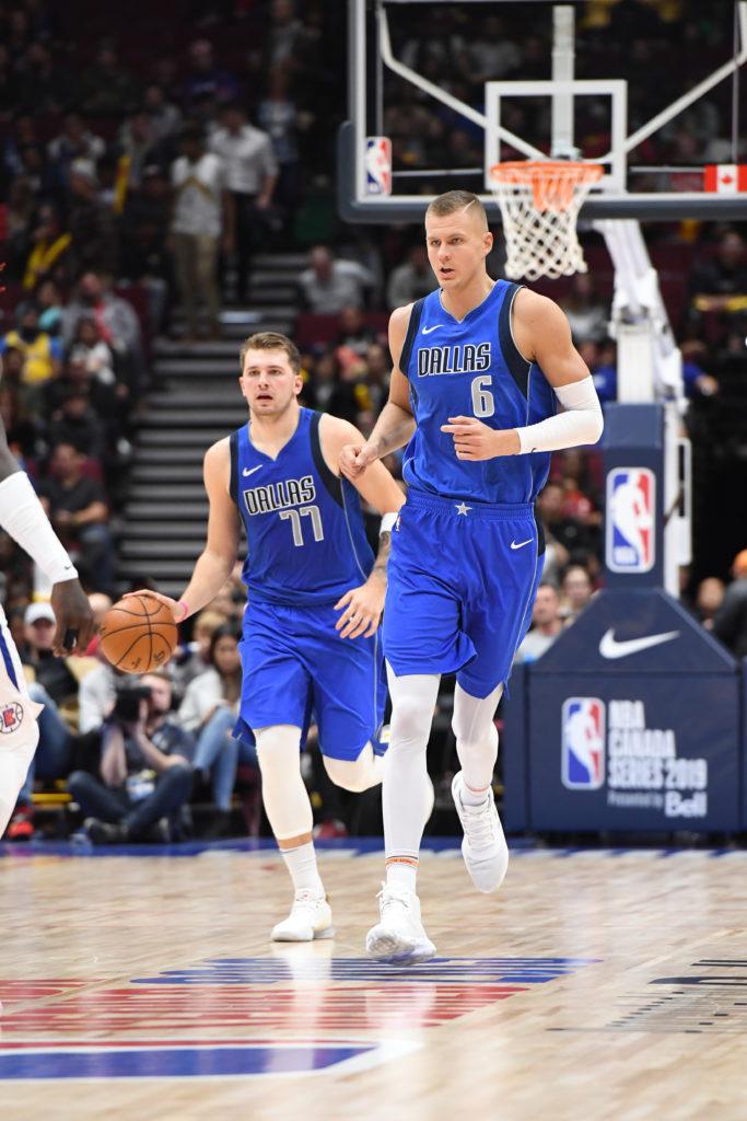 Doncic e Porzingis vão comandar o Dallas Mavericks no campeonato / Foto: NBAE/Getty Images