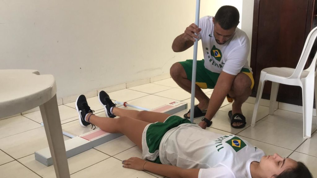 Rafael fez testes importantes com as atletas / Foto: Drykka Ross/CBB