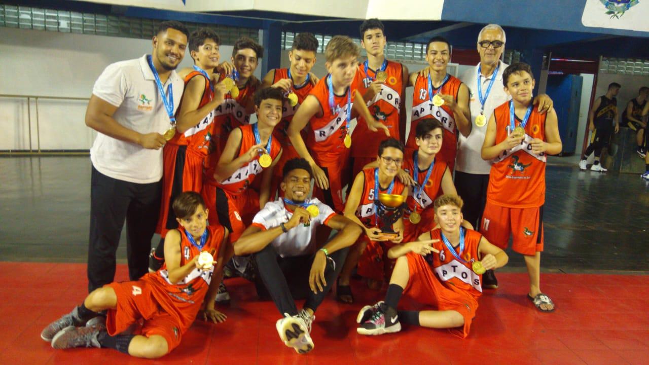 Engenharia foi o grande campeão no sub-13 masculino / Foto: Divulgação/FGB