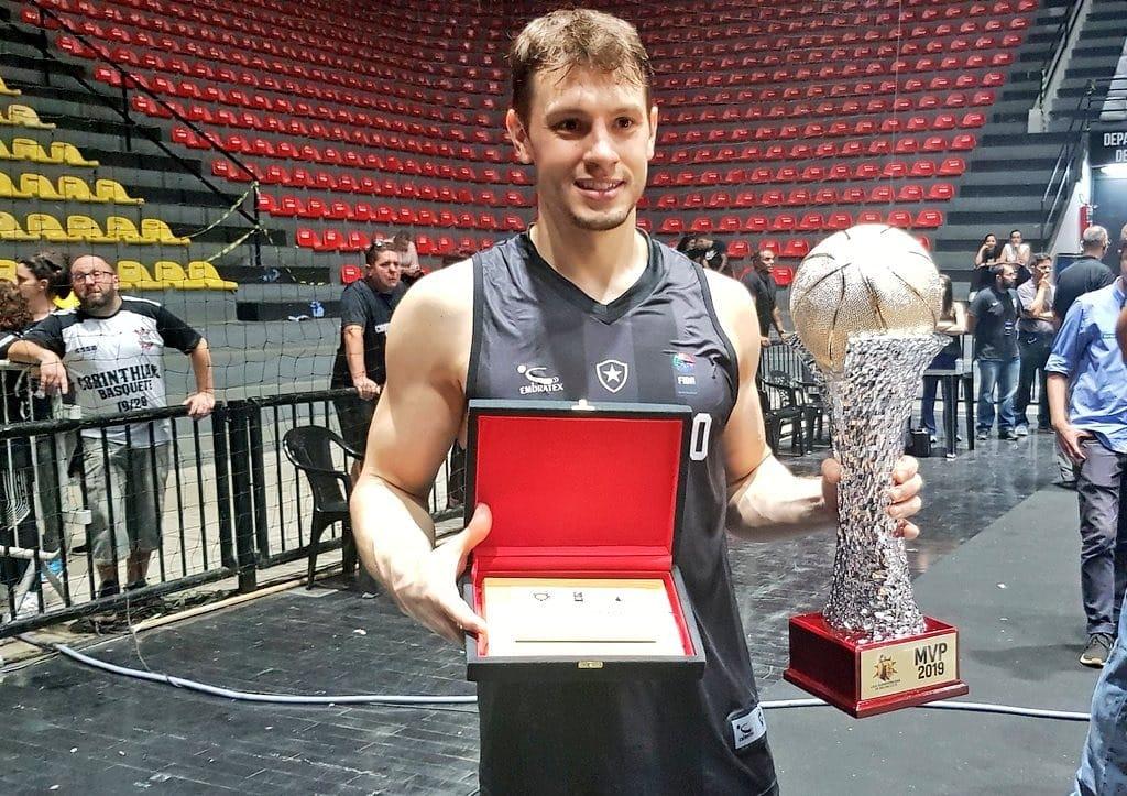 Com mais uma grande atuação, Cauê Borges foi eleito o MVP / Foto: Divulgação/Consubasquet