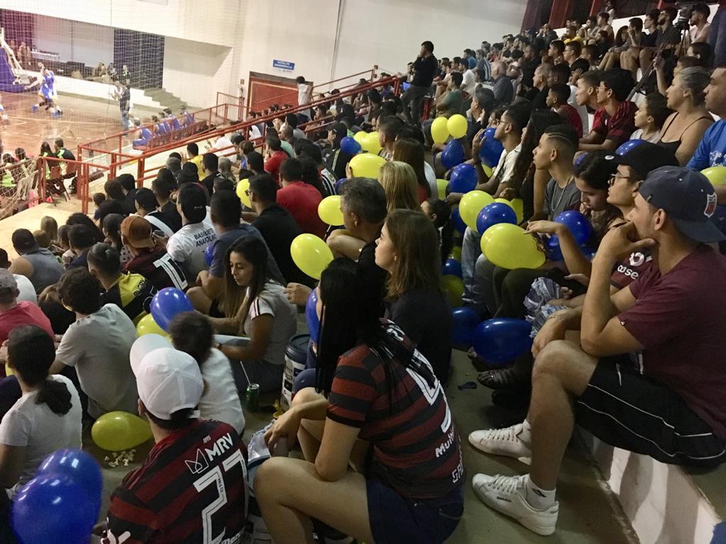 Ginásio lotado na decisão do Goiano, em Anápolis / Foto: Divulgação/FGB