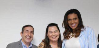 Marcus Melo (prefeito de Mogi das Cruzes), Karin Melo (presidente do Fundo Social de Mogi das Cruzes) e Kelly Santos / Foto: Divulgação