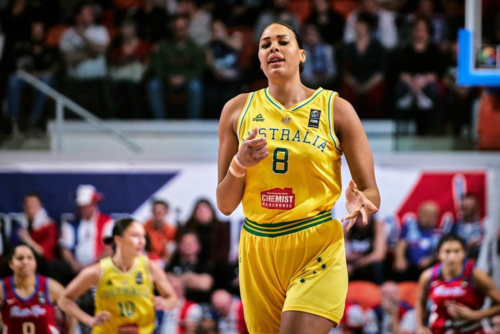 Com boa performance de Liz Cambage, Austrália vence a primeira / Foto: FIBA