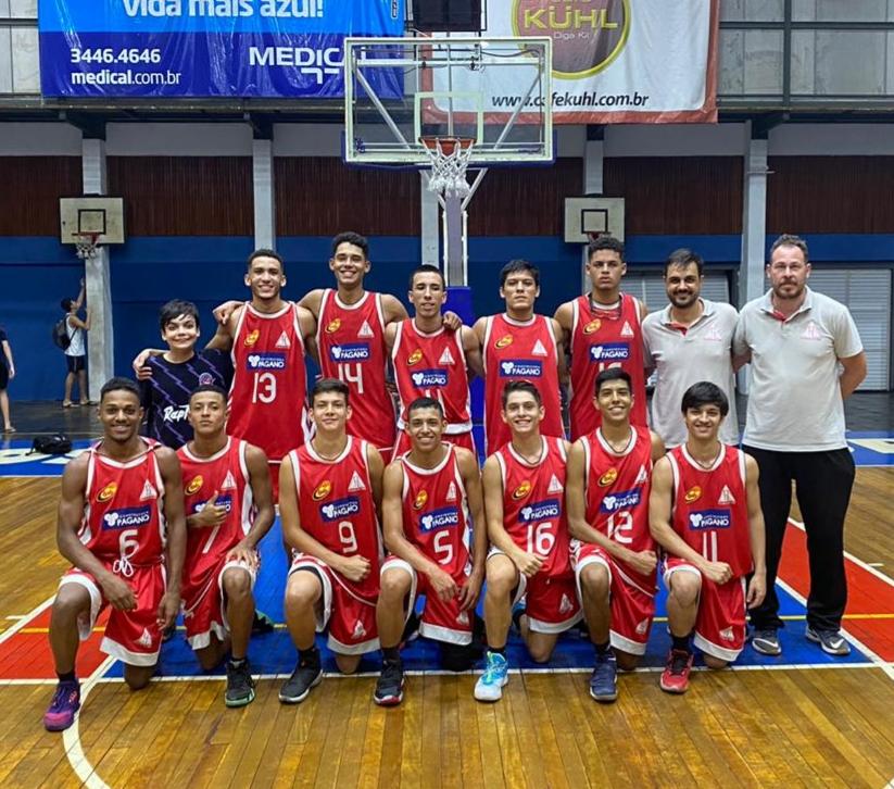 Equipe Sub-16 cresceu no segundo tempo e venceu / Foto: Divulgação/Cravinhos