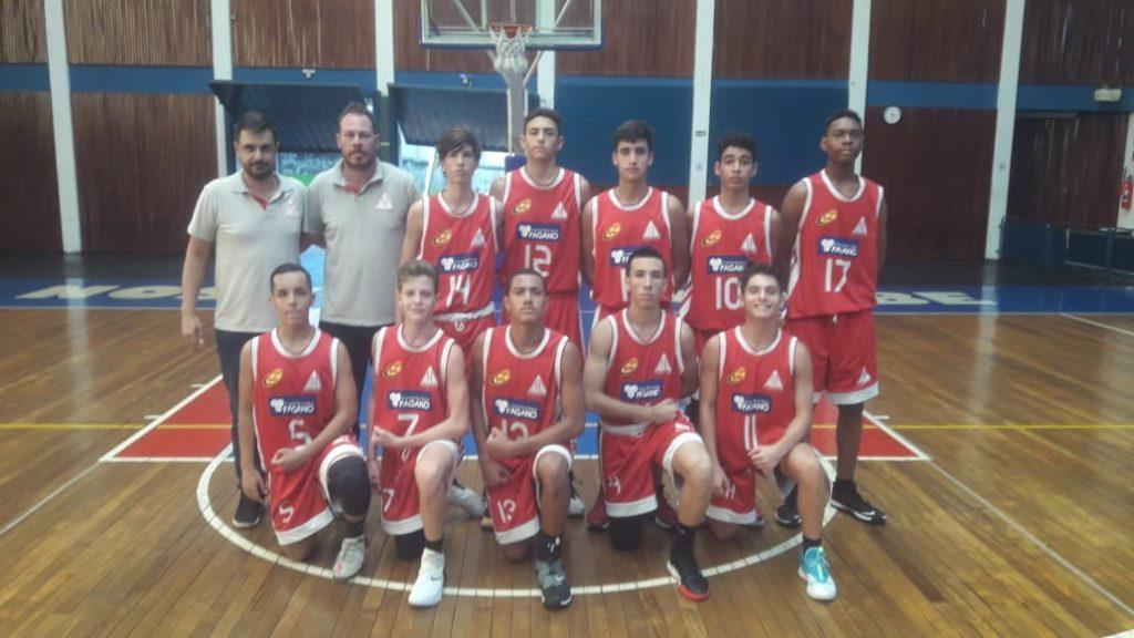 Equipe Sub-17 conseguiu um grande rendimento mesmo fora de casa / Foto: Divulgação/Cravinhos