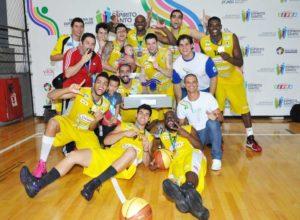 Grupo campeão Brasileiro Jab's, em 2012 / Foto: Divulgação/Amobasquete